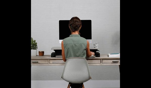 Ergotron WorkFit-Z-Mini Schreibtisch sitzend